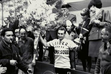 Imatges del reportatge 780403 - Ia etapa de la Volta Ciclista a Girona