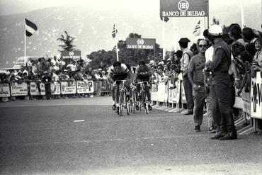 Imatges del reportatge 779448 - Cursa ciclista a Platja d'Aro