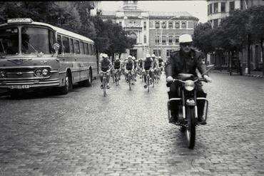Imatges del reportatge 779449 - Cursa ciclista a Girona