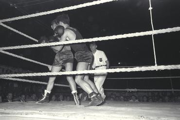 Imatges del reportatge 779390 - Combat de boxa