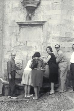 Imatges del reportatge 778871 - Visita de turistes a la catedral de Girona