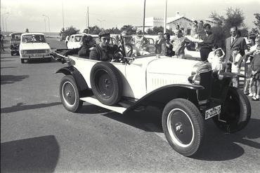 Imatges del reportatge 779761 - Caravana Girona-Menorca de cotxes antics