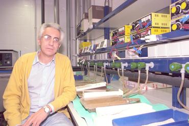 Imatges del reportatge 780883 - Carles Pla, cap del departament de Biologia