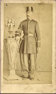 Imatge 47404 - Retrat d'un home amb uniforme