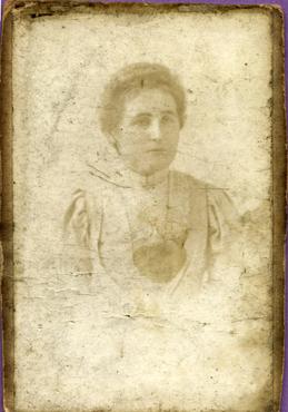 Imatge 47418 - Retrat d'una dona