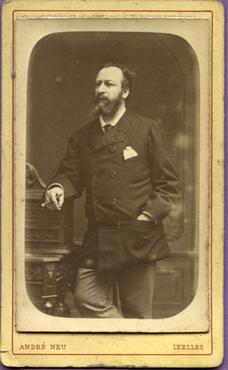 Imatge 47422 - Retrat d'un home amb barba