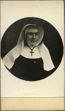 Imatge 47425 - Retrat d'una monja