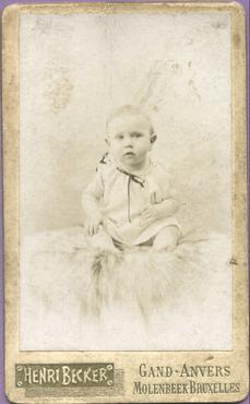 Imatge 47436 - Retrat d'un nen