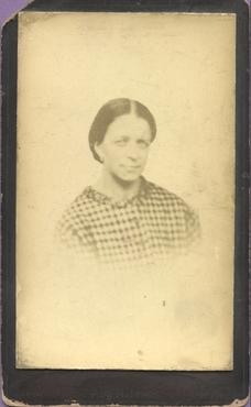Imatge 47443 - Retrat d'una dona