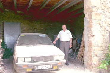 Imatges del reportatge 780935 - Exalcalde va a buscar un cotxe