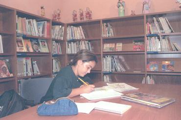 Imatges del reportatge 780956 - Sala infantil de la biblioteca municipal