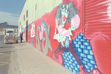 Imatges del reportatge 782062 - Graffitis al supermercat Consum