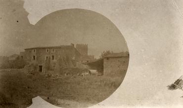 Imatge 51897 - Vista d'una masia