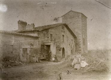 Imatge 51918 - Vista de la masia de can Ciurana a Riudellots de la Selva