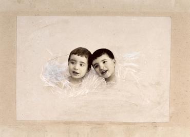Imatge 51935 - Retrat de dos nens, bust
