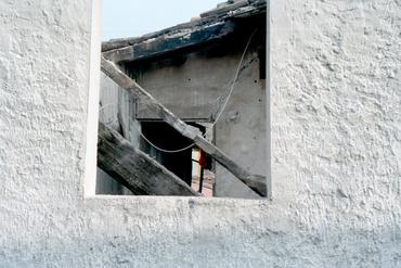 Imatges del reportatge 781077 - Esfondrament d'una casa