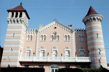 Imatges del reportatge 781560 - Ruta Modernista: Edificis de Josep Azemar