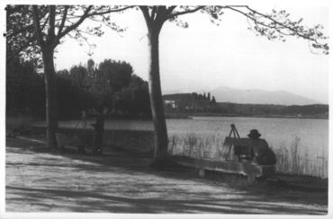 Imatge 54737 - Pintors a la riba de l'estany de Banyoles