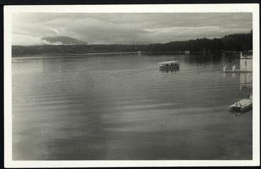 Imatge 54795 - Vista parcial de l'estany de Banyoles