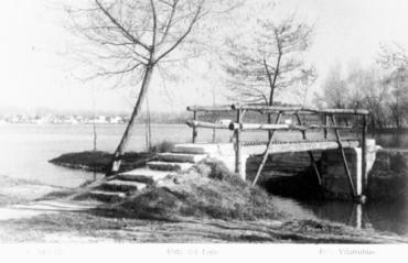 Imatge 54818 - Postal d'un pont sobre un rec de l'estany de Banyoles