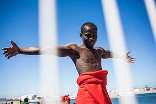 Imatge destacat Un reportatge fotogràfic sobre el fenomen migratori guanya la dissetena convocatòria de Joves Fotògraf(e)s